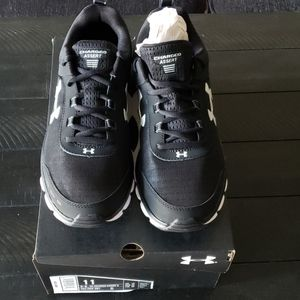 Under Armour- Sz 11 - Charged Assert - NWB